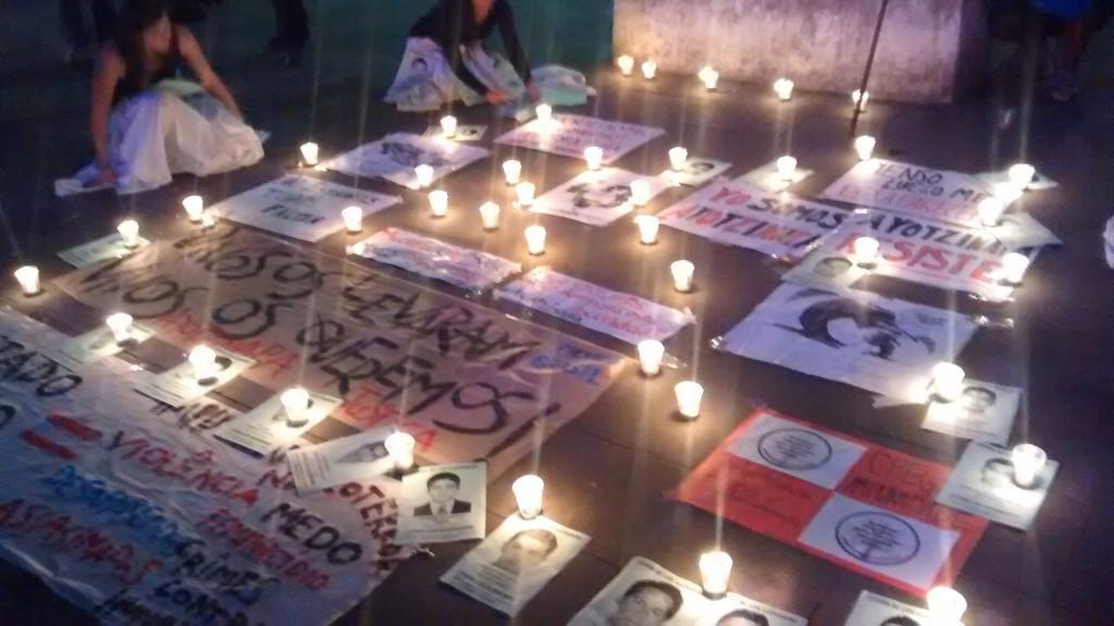 Arcos da Lapa Manifestação por justiça contra o assassinato do estudantes da escola normal de Ayotzinapa - Rio de Janeiro.