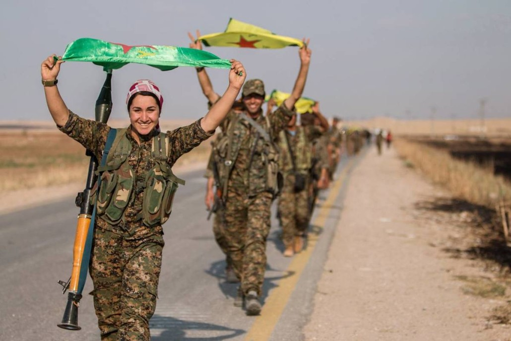 Kurdish-YPG-Fighters-capture-Tak-Abyad-1030x687