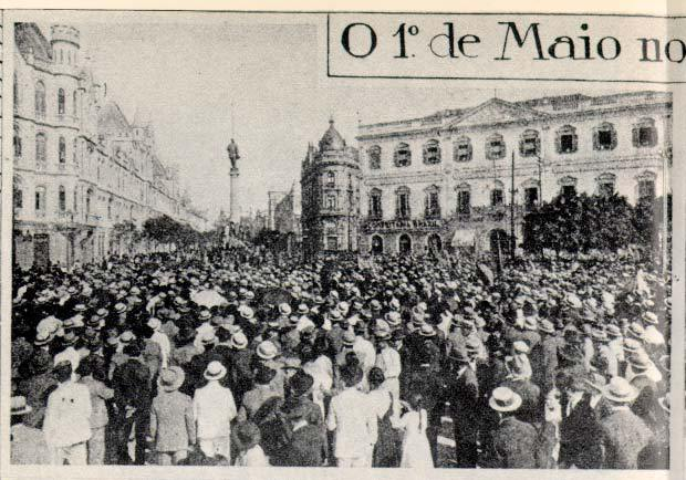 Manifestação operária em 1º de Maio de 1919 no Rio de Janeiro. Reproduzida da Revista da Semana, 10 de maio de 1919.